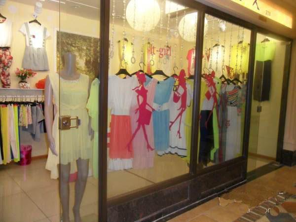欧洲街服装店铺转让出租