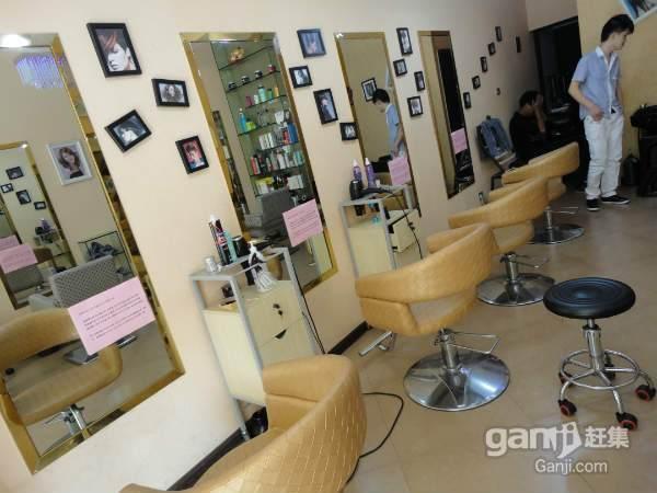 市区江滨路欧洲城附近新装修50平米美发店急转让图片