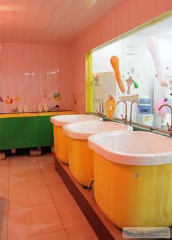 婴儿洗浴店图片